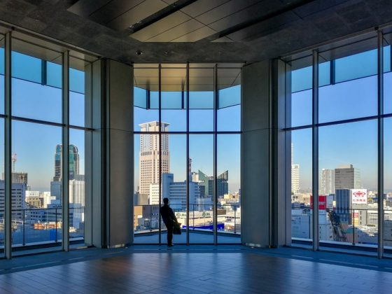 fenêtre-lavage-propre-domicile-vitre-veranda